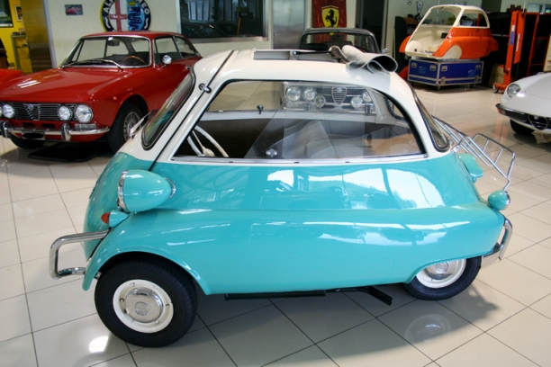 Très A vendre / For Sale : BMW Isetta 300 1957 AG12